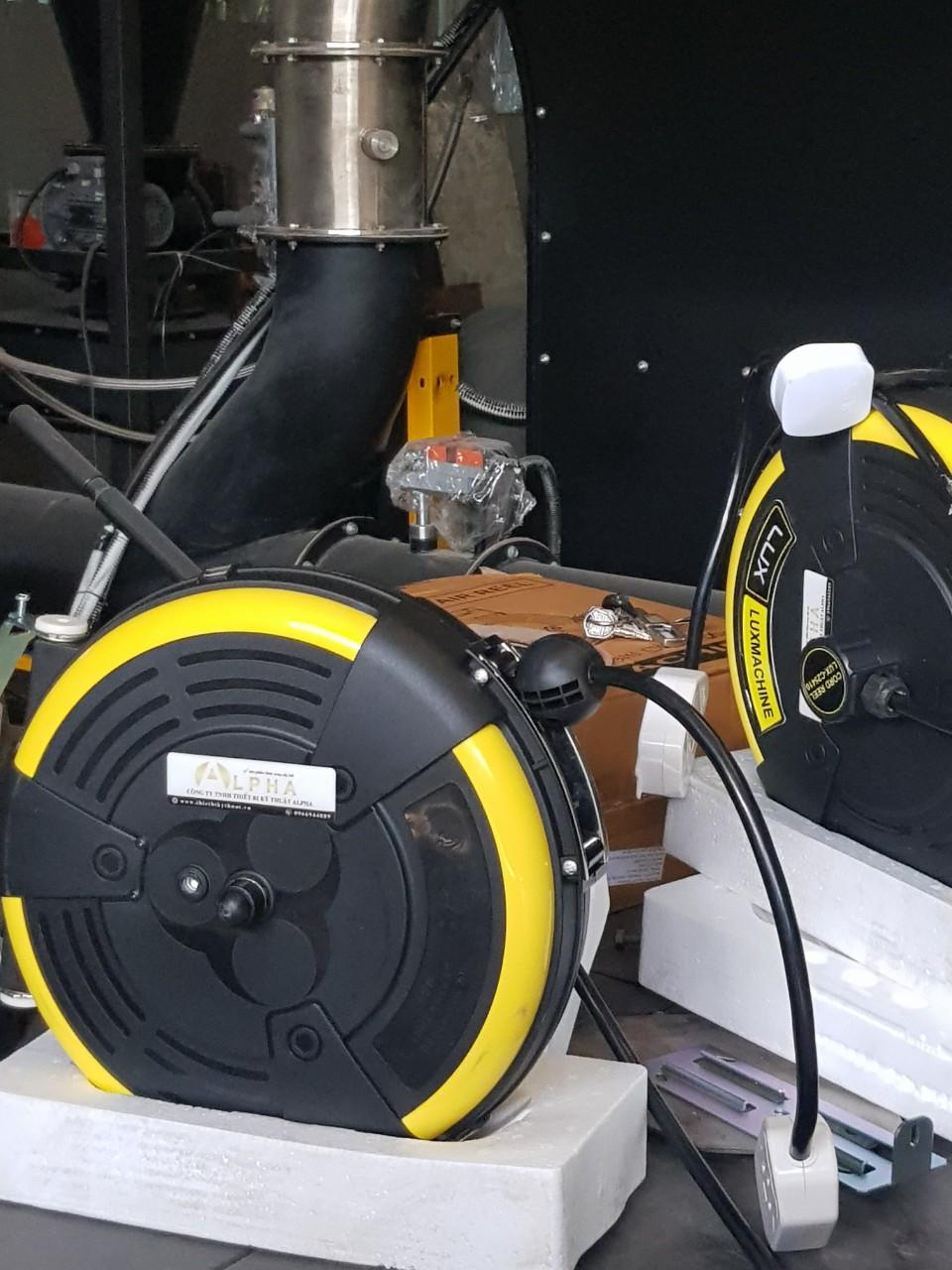 Cuộn dây điện tự rút 4 sợi LUX-C25410